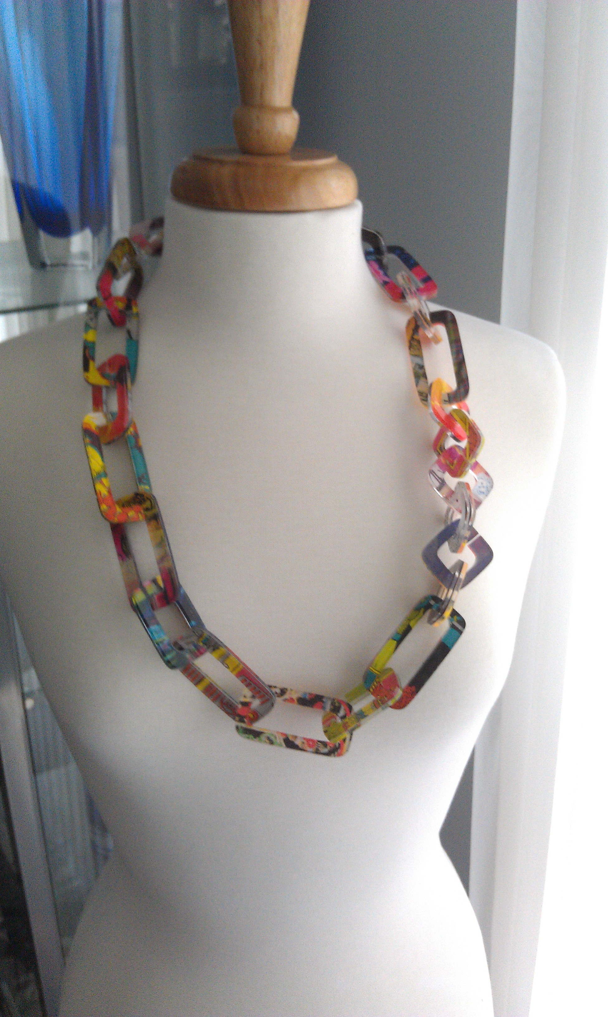 acrilic jewelry the the of a layered acrylic chain 5377